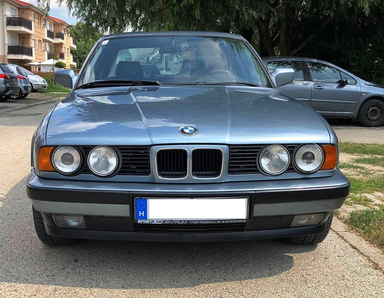 M kiegészítőkkel nemcsak dögösebb, hanem erősebb is az új 5-ös BMW